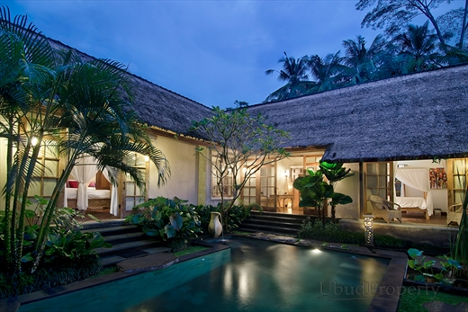 maison a bali awesome villas with maison a bali beautiful invest bali agence immobilire. Black Bedroom Furniture Sets. Home Design Ideas